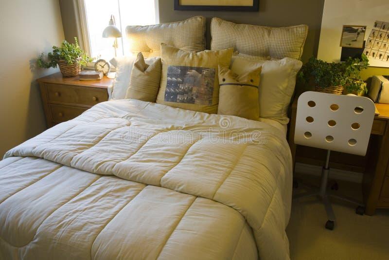 Chambre à coucher à la maison de luxe. photos libres de droits