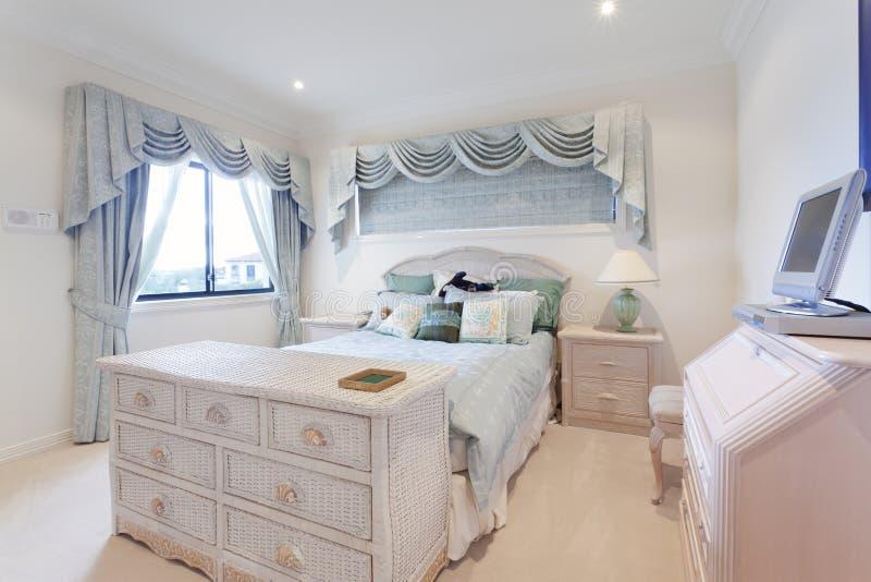 Chambre à coucher élégante photo stock