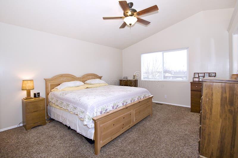 Chambre à coucher élégante classique images libres de droits