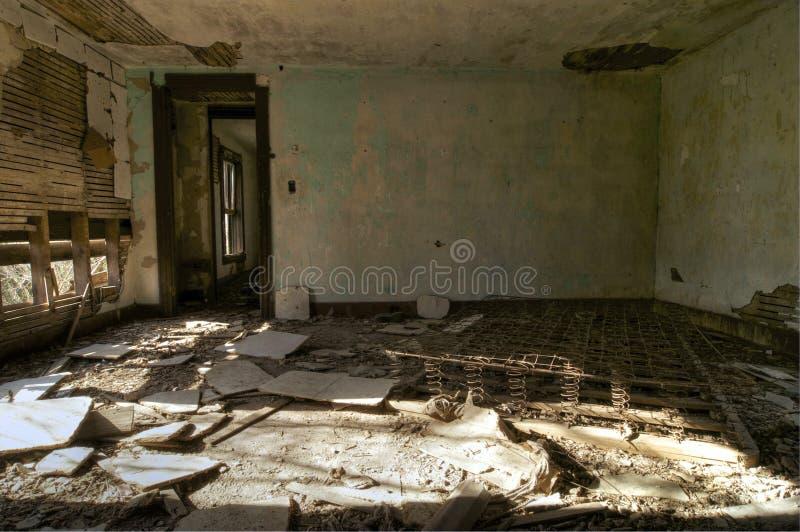 Chambre à coucher abandonnée photos libres de droits
