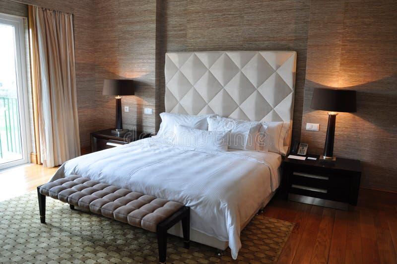 Chambre à coucher cinq étoiles de ressource de suite de luxe images libres de droits