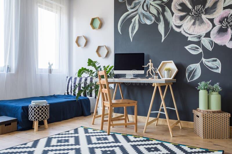 Chambre à coucher conçue moderne photos stock