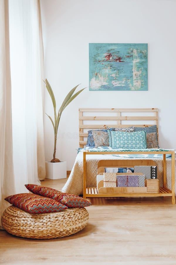 Chambre à coucher dans le style de Bohème photos libres de droits