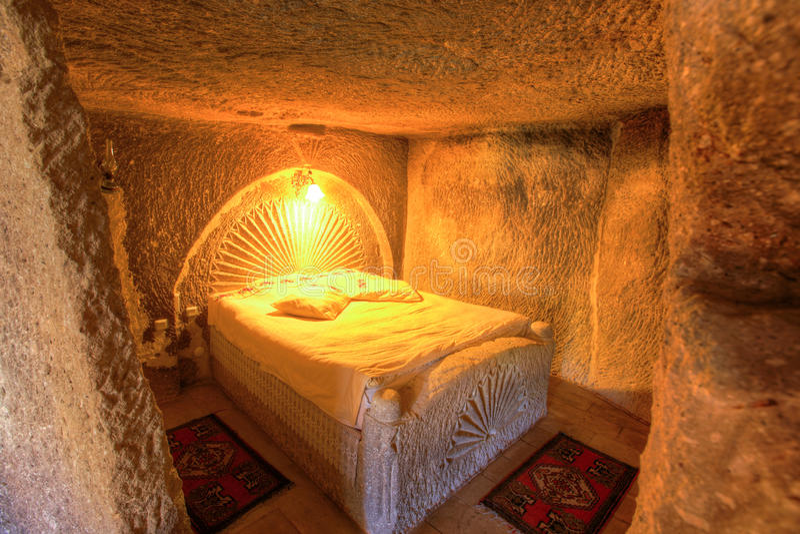 Chambre à coucher de caverne images libres de droits