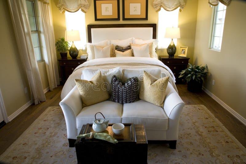 Chambre à coucher de luxe. image libre de droits