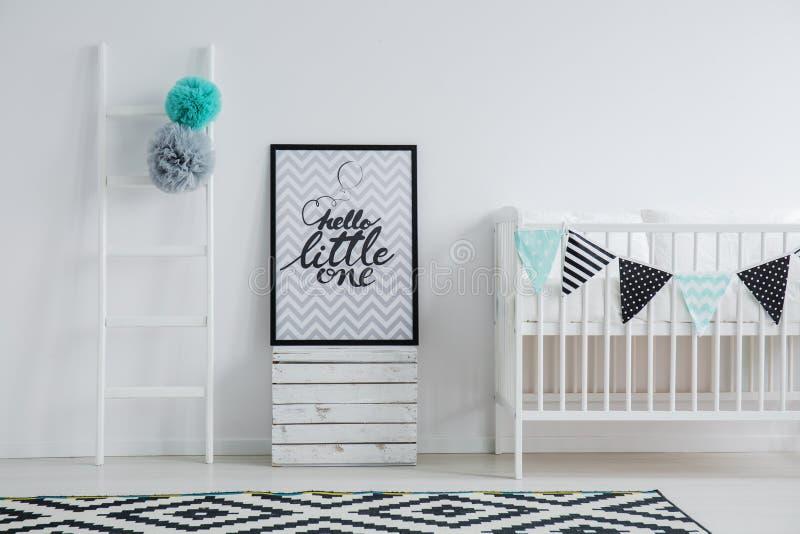 Chambre à coucher du ` s d'enfant de style de Scandi images stock