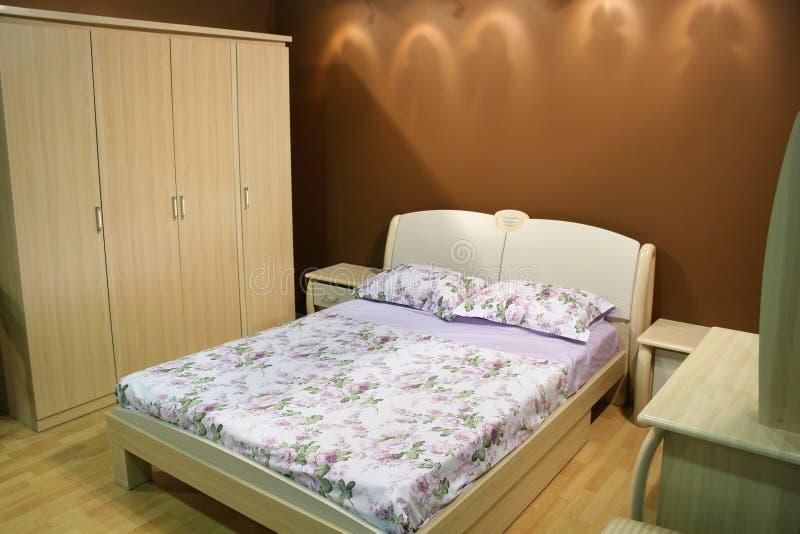Chambre à coucher en bois photographie stock