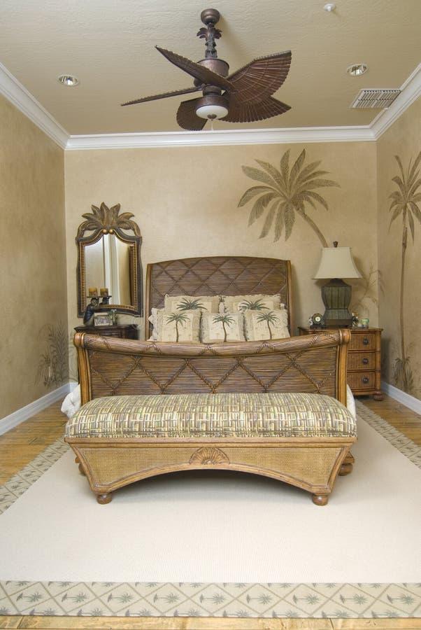 Chambre à coucher en osier tropicale 2 images stock