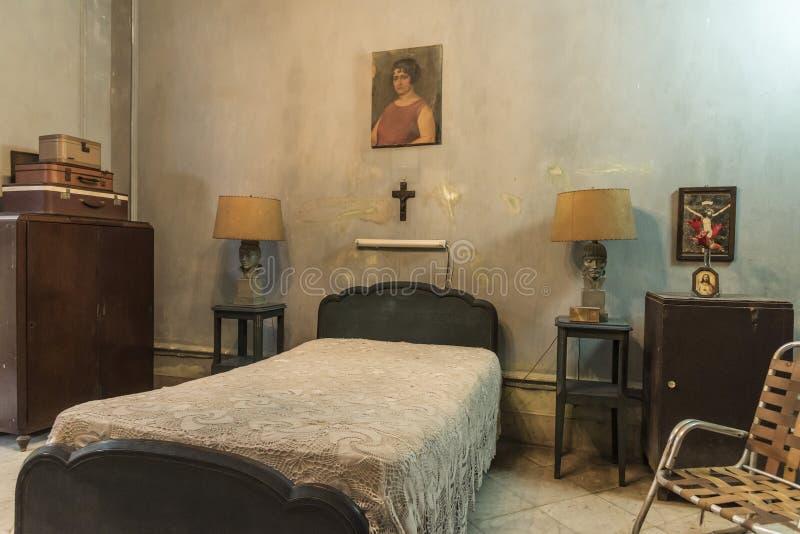Chambre à coucher en villa privée La Havane photos libres de droits