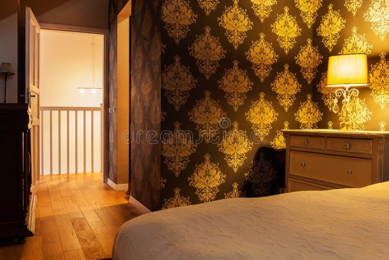 Chambre à coucher lumineuse de vintage photos libres de droits