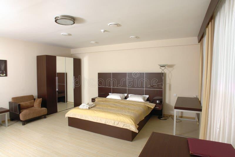 Chambre à coucher moderne image stock. Image du meubles - 2964355