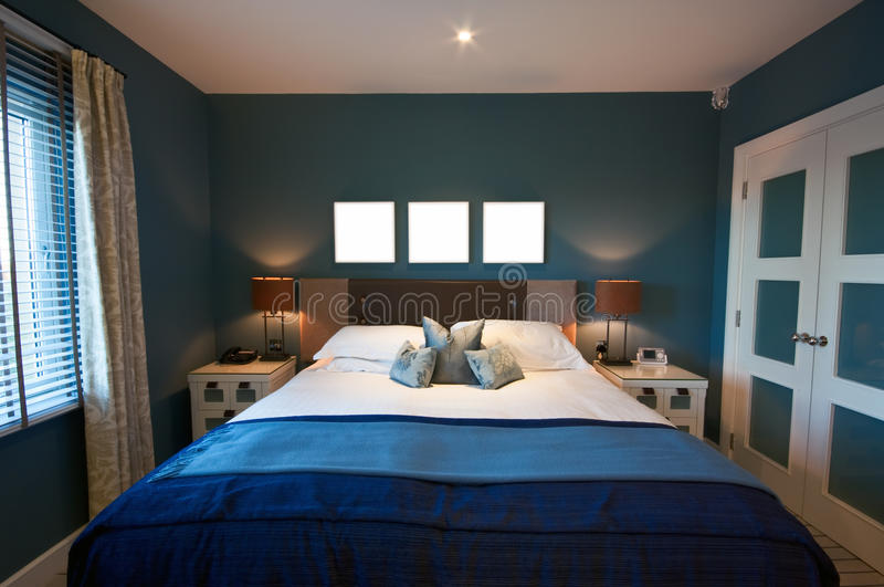 Chambre à coucher moderne luxueuse images libres de droits
