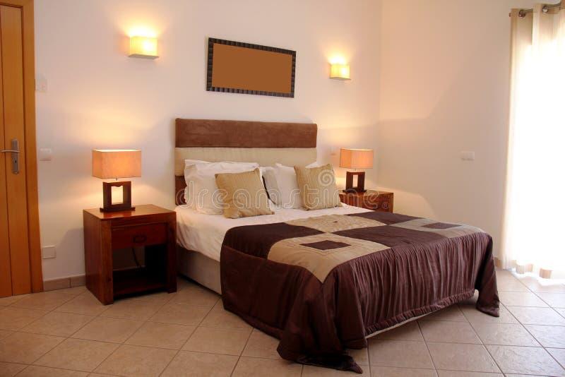 Chambre à coucher moderne luxueuse photo libre de droits
