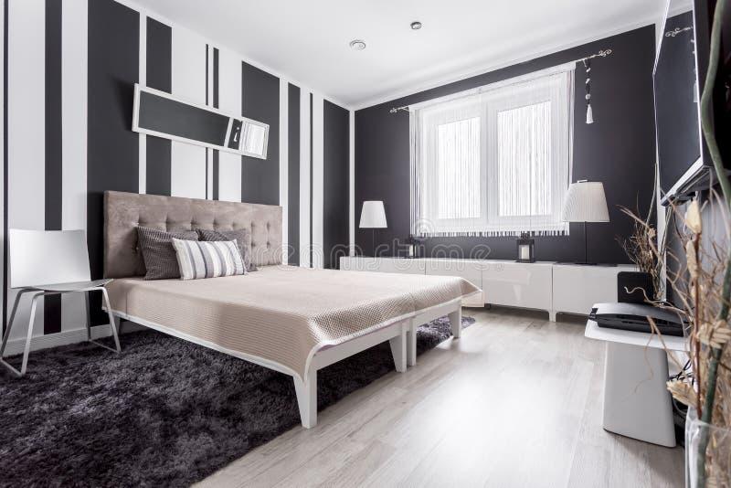 Chambre à coucher moderne luxueuse photos stock