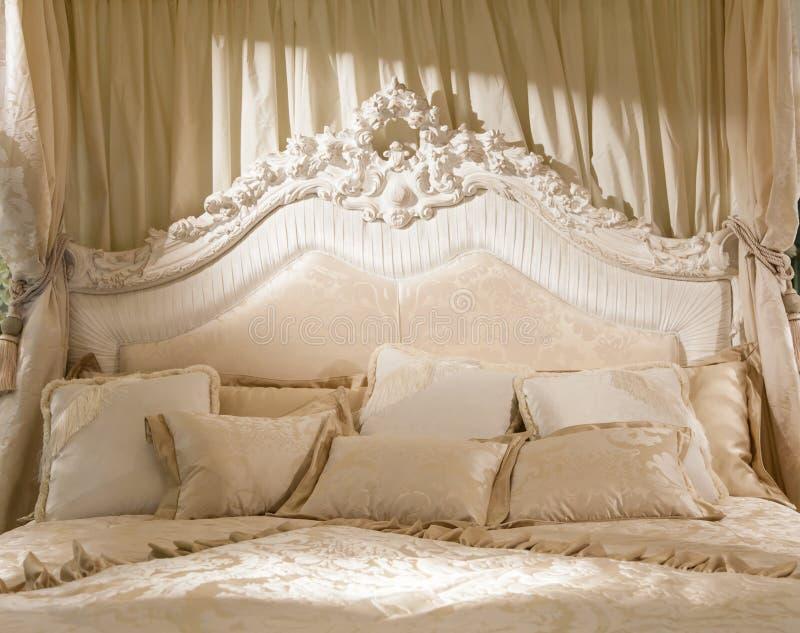 Chambre  Coucher Romantique Image Stock  Image Du Dcor Pice