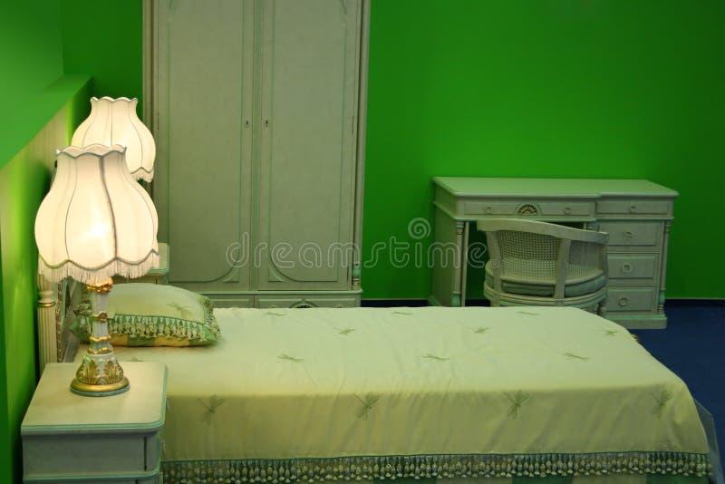 Chambre à coucher verte images stock