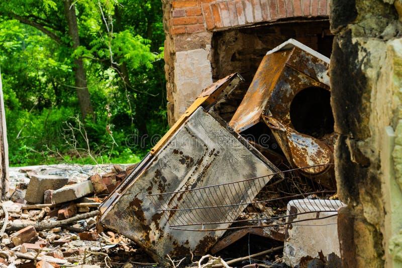 Chambre abandonnée brûlée dans Clay Creek blanc images libres de droits