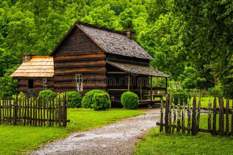 Chambre au musée de ferme de montagne dans la vallée d'Oconaluftee, dedans image libre de droits