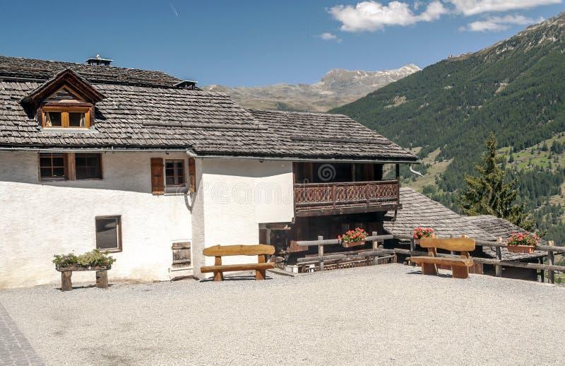 Chambre dans la montagne photos stock