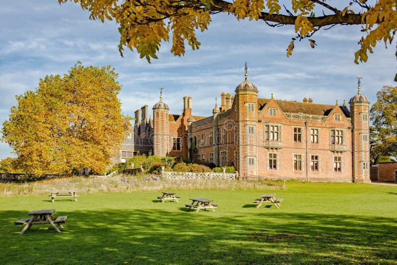 Chambre de Charlecote en automne, le Warwickshire photo libre de droits