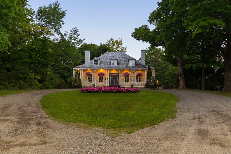 Chambre de Hamel-Bruneau et pelouse en forme de coeur dans la région de Sillery de Québec photos stock