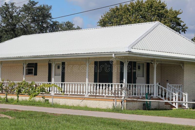 Chambre de la Louisiane image stock. Image du outside ...