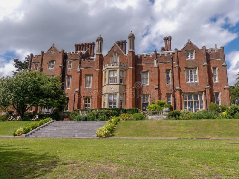 Chambre de Latimer un manoir de style Tudor, précédemment la maison de l'université de la défense nationale photos libres de droits
