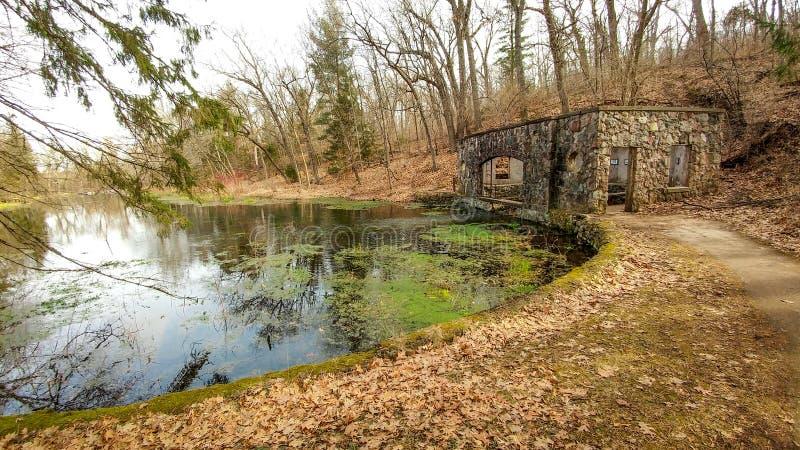 Chambre de ressort de pierre de vallée de paradis - Eagle, WI photo stock