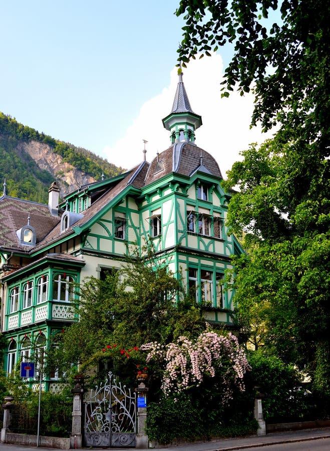 Chambre de structure de bois suisse photographie stock