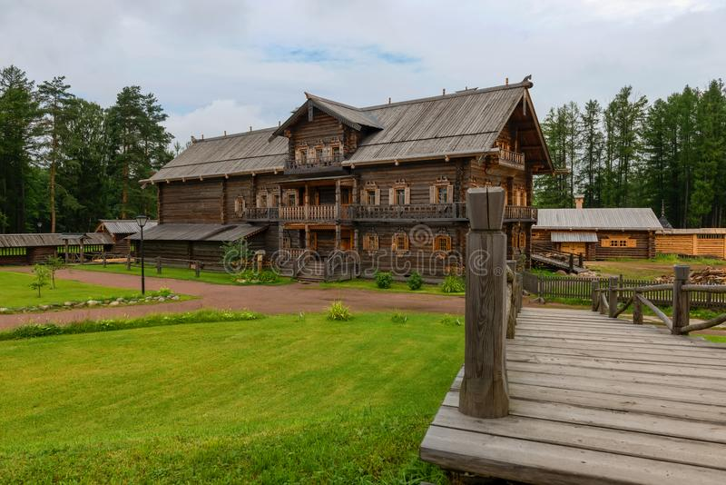 Chambre du négociant Kostin de Zaonezhye dans le domaine Bogoslovka images libres de droits