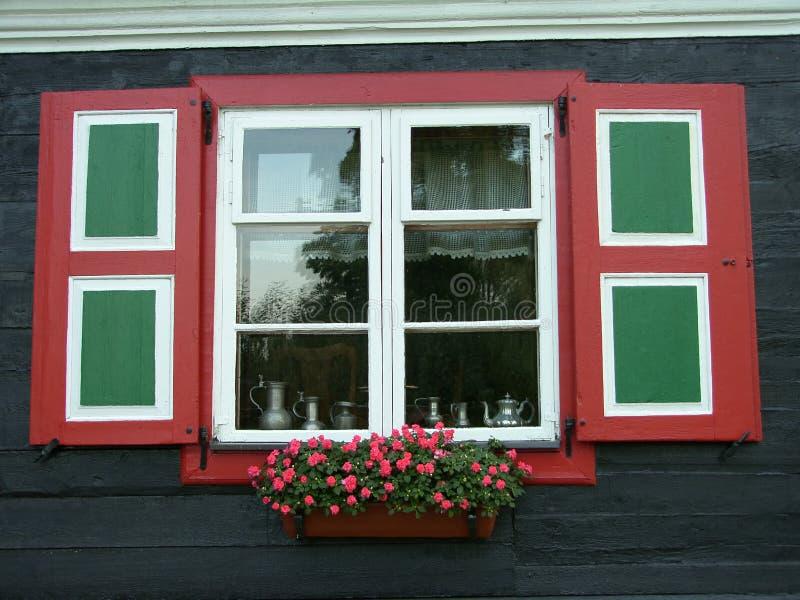 Chambre et fleurs photographie stock