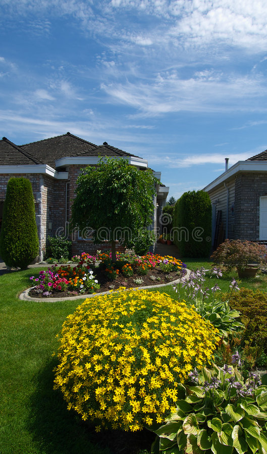 Chambre et jardins images stock