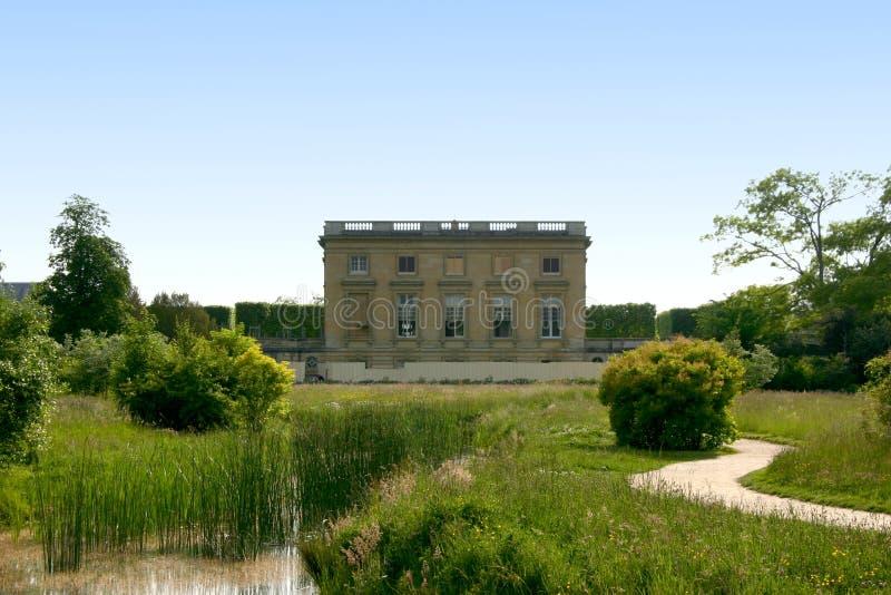 Chambre et jardins de Marie Antoinette images stock