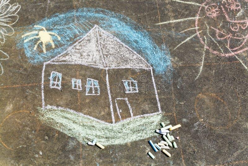 Chambre et soleil peints sur l'asphalte par la craie illustration de vecteur
