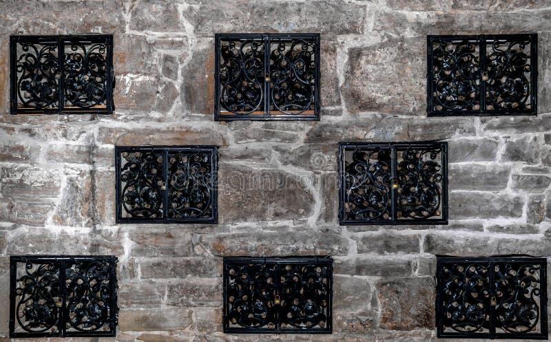 Chambre forte de vin image stock