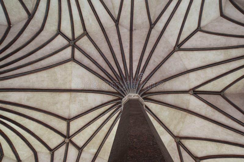 Chambre forte gothique dans le château de Malbork en Pologne photos stock