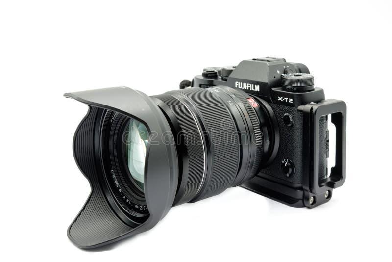 Chambre noire de Fujifilm X-T2 avec la lentille de 16-55mm de Fuji et générique photos libres de droits