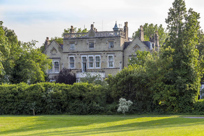 Chambre sur des jardins de palais de Kensington photos stock