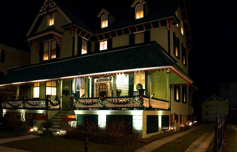 Chambre La Nuit : Chambre victorienne la nuit photo stock image du home