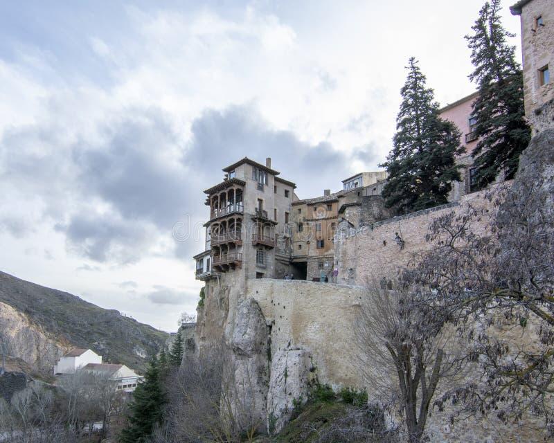 Chambres accrochantes à Cuenca Espagne photos stock
