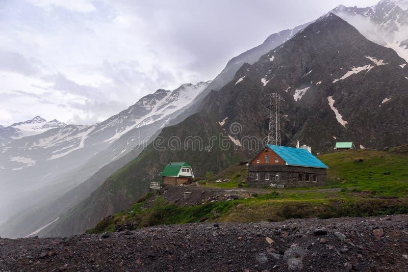 Chambres en montagnes Horizontal de Caucase photo stock