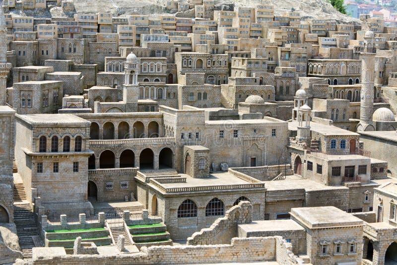 Chambres en pierre traditionnelles dans Mardin photographie stock