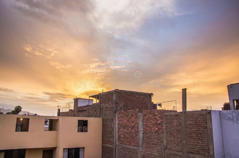 Chambres et le ciel images libres de droits