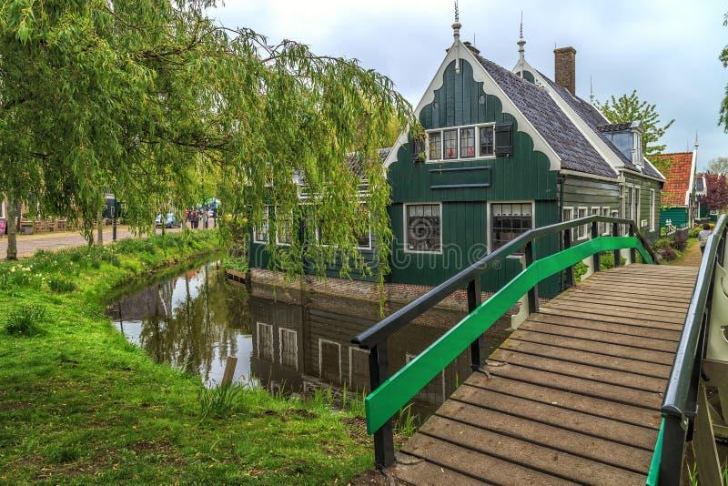 Chambres traditionnelles dans le village historique de Zaanse Schans image libre de droits