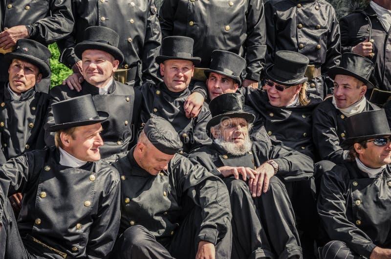 Chaminé de Tallinn da brigada na celebração dos dias da cidade velha imagens de stock