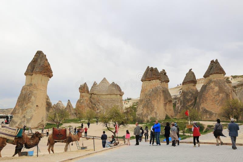 Chaminés da fada de Cappadocia foto de stock