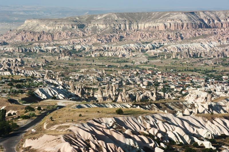 Chaminés feericamente em Cappadocia fotografia de stock