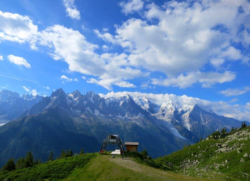 Chamonix in de Zomer, Franse Alpen royalty-vrije stock afbeelding