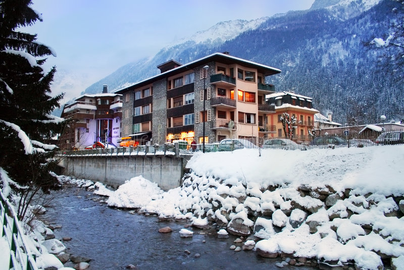 Chamonix wysokogórski France kurort fotografia stock