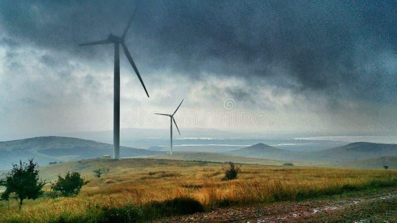Champ d'éoliennes photographie stock